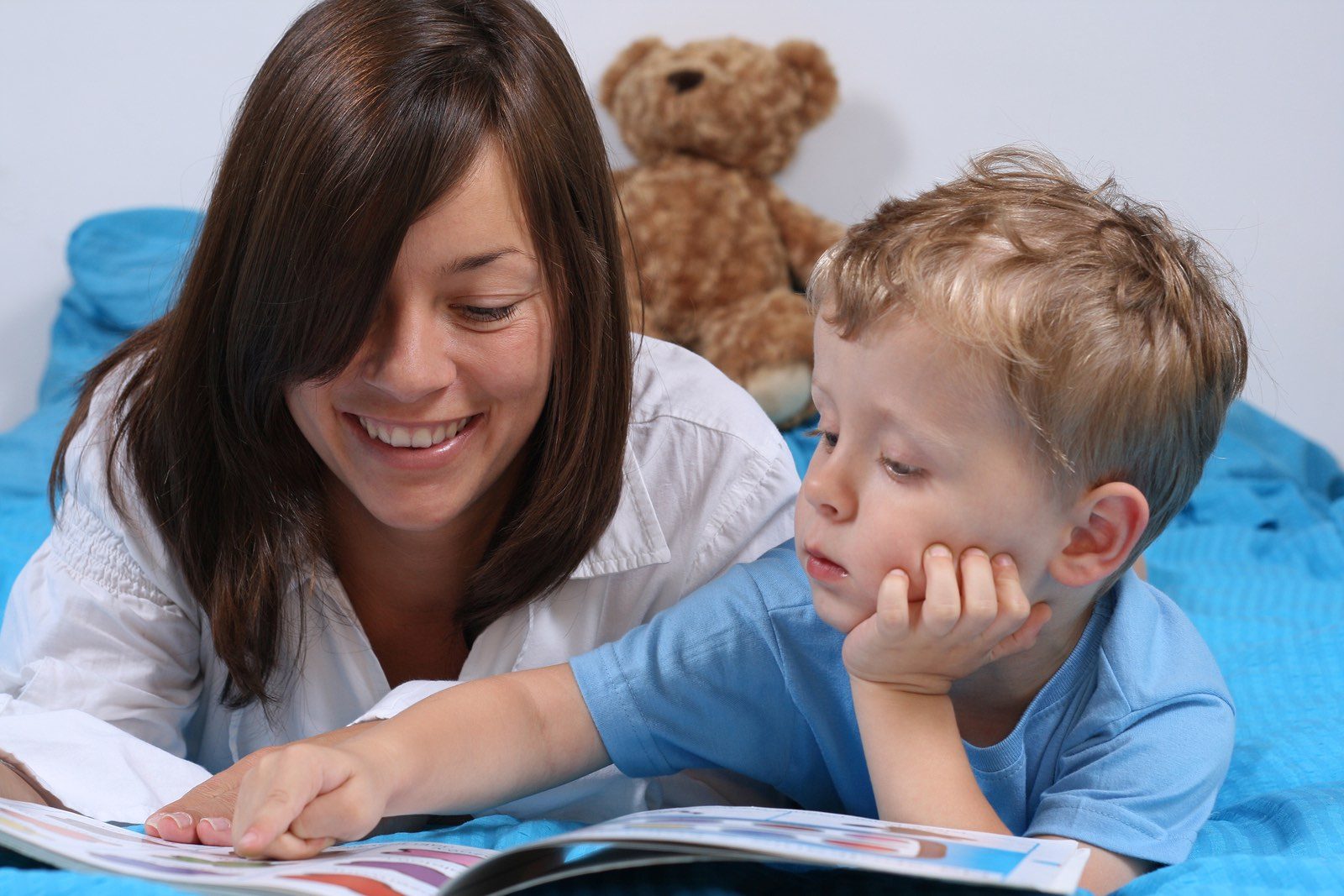 child bedtime sleep speech parent reading children read mother infants quality study academically should know parents rhythm learning theschoolrun story