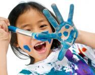 Girl painting hand