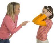 Mum telling daughter off